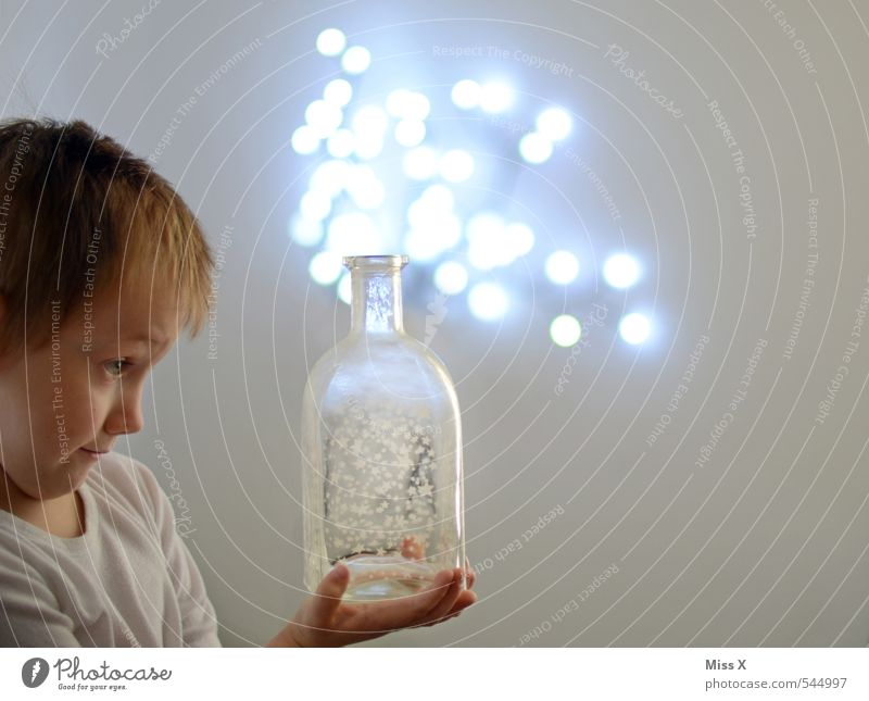 magic potion Beverage Bottle Lamp Energy industry Human being Masculine Child Boy (child) Infancy 1 1 - 3 years Toddler 3 - 8 years Flying Glittering Illuminate