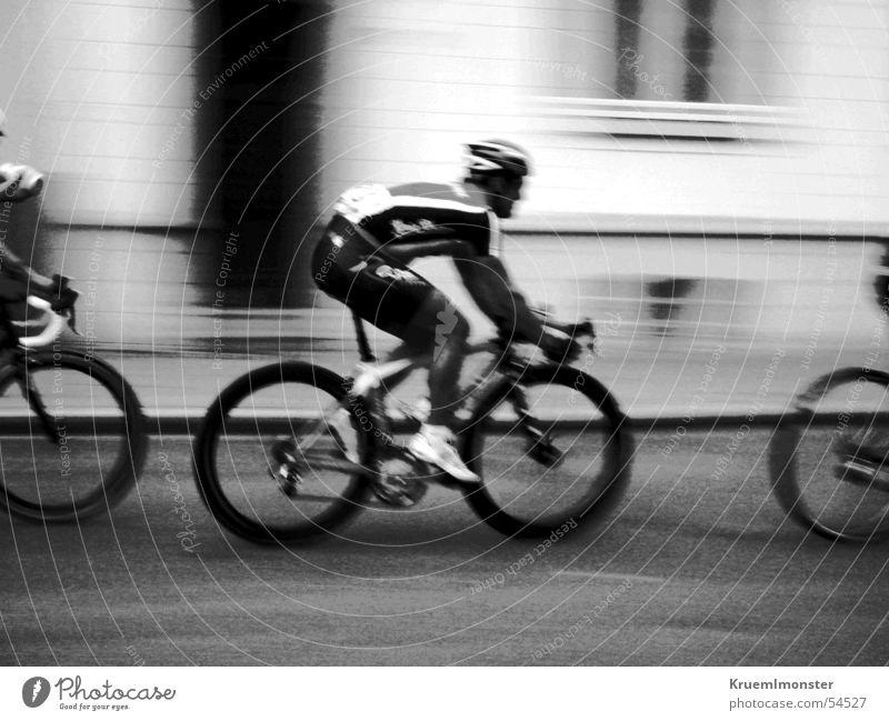 cycle races Bicycle Cycle race Rücup Driver Lee Essen Essen-Rüttenscheid Racing driver Black & white photo Movement