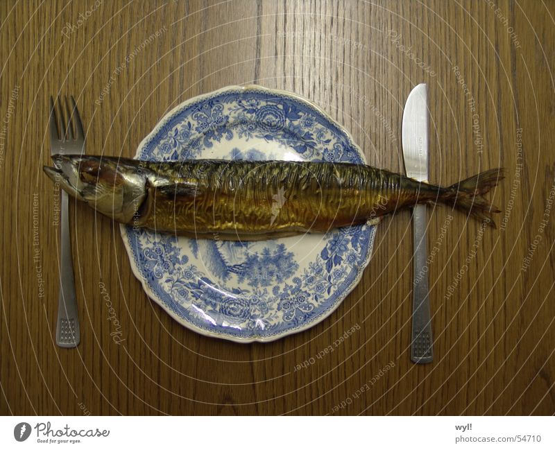 Nutrition Fresh Table Fish Delicious Plate Water wings Cutlery Fish bone Friday Mackerel Smoked Herring Kipper Macabre