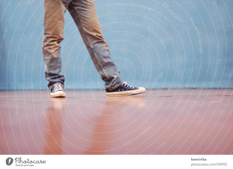 Old Blue Wall (building) Movement Dance Walking Jeans Pants Sneakers Chucks Gymnastics Gymnasium Old-school