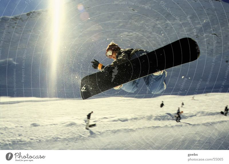 pipe 01 Snowboard Halfpipe Winter Sports Funsport Winter sports Sunbeam Bent Tall Brave Talented Back-light Exterior shot Colour photo Snowboarder Snowboarding