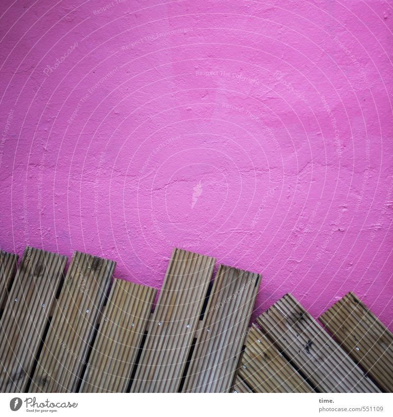 /////\\\ Wall (barrier) Wall (building) Facade Chopping board Wooden board Tropic trees Stone Old Sharp-edged Hip & trendy Broken Trashy Town Brown Pink