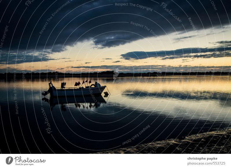 The lake rests still Vacation & Travel Ocean Coast Lakeside River bank Beach Bay Navigation Inland navigation Fishing boat Motorboat Watercraft