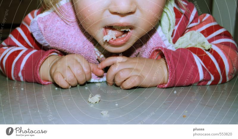 Human being Child Hand Girl Feminine Eating Dish Work and employment Infancy Food photograph Mouth Floor covering Clean Cleaning Toddler Bread