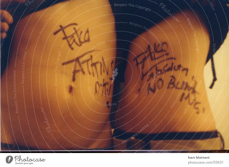 mcLusky Autograph Punk Naked String Stomach edding falco mc lusky