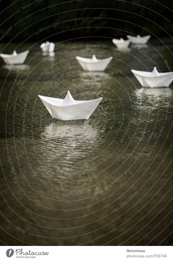 White Water Lake Watercraft Art Decoration Multiple Communicate Creativity Idea Plastic Float in the water Toys Wrinkles Navigation Pond
