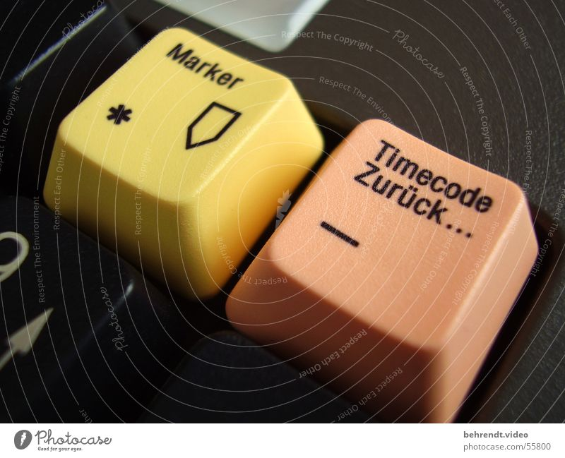 Timecode & Marker Premiere Video editing Yellow Anthracite Black Diagonal Near Felt-tipped pen Backward Orange apricot Close-up Signs and labeling Star (Symbol)