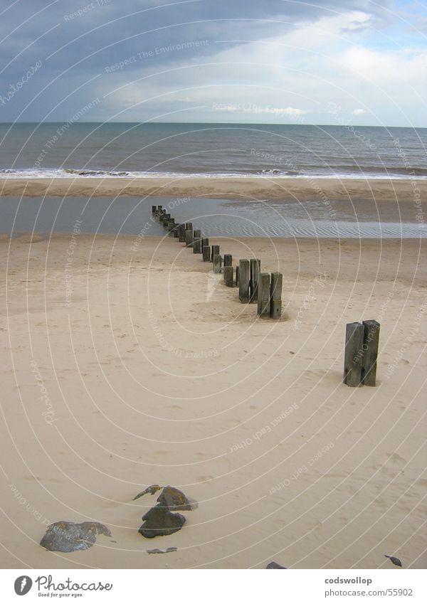 groyne Break water Gorleston Beach Sky England Gale Great Britain Coast groins sea