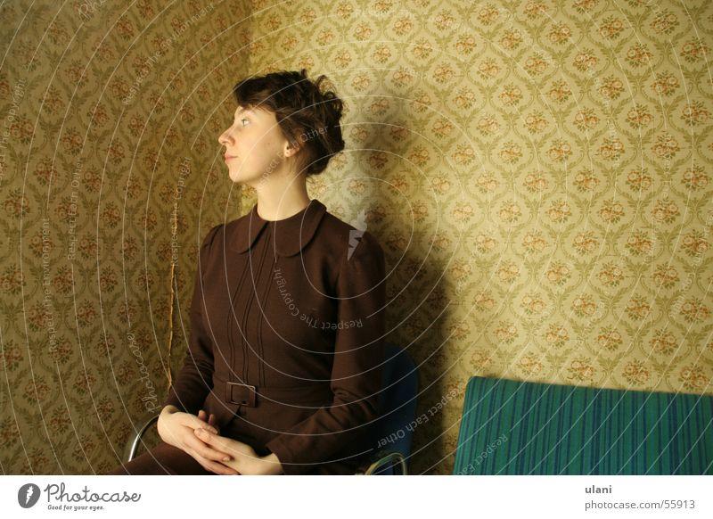 Woman Wait Sit Dress Wallpaper Pride Arise