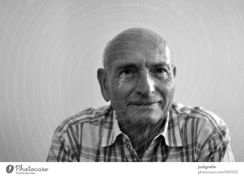 Eighty Human being Masculine Man Adults Male senior Senior citizen Life Head Face 1 60 years and older Shirt Bald or shaved head Moustache Smiling Friendliness
