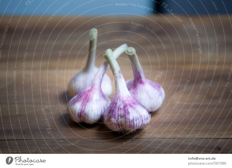 garlic Food Herbs and spices Nutrition Dinner Organic produce Brown Violet Garlic Spicy Wood Wooden board Fresh Colour photo Interior shot Close-up Deserted