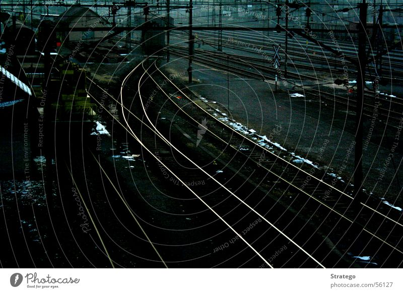 Line Transport Railroad Speed Electricity Soft Long Railroad tracks Station Train station Fence Curve Electricity pylon Wire Smoothness Transmission lines