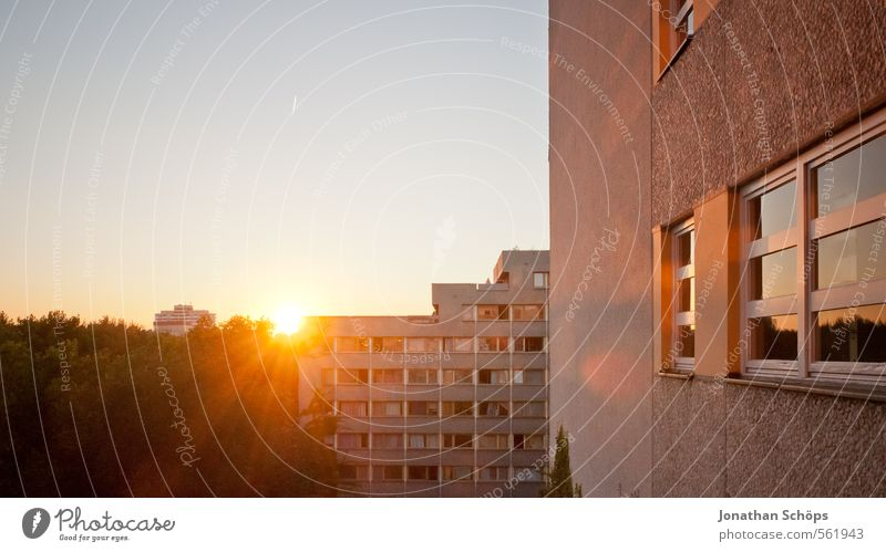City House (Residential Structure) Window Architecture Building Berlin Facade Flat (apartment) Living or residing High-rise Large Poverty Manmade structures Skyline Downtown Anonymous