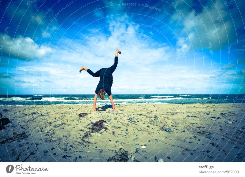 beach acrobatics Joy Trip Adventure Far-off places Freedom Summer Waves Fitness Sports Exceptional Crazy Blue Turquoise Happy Happiness Joie de vivre (Vitality)