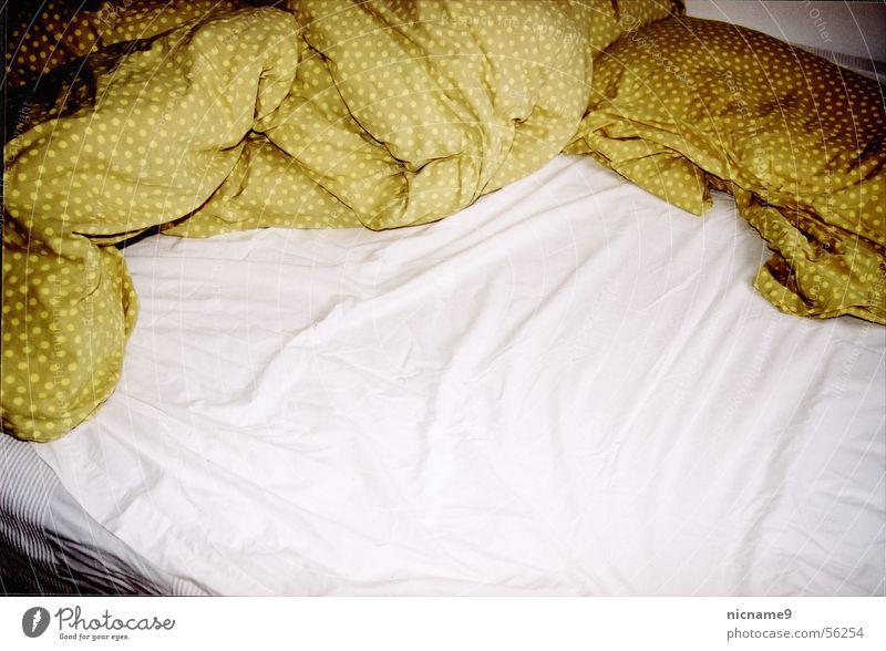 Relaxation Sleep Bed Fatigue Wrinkles Rag Cushion Sheet Bedroom Bedclothes Wake up Alert Folds Air mattress Pillow
