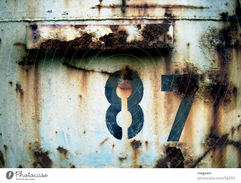rust wall Digits and numbers Sturcture Rust Dirty Metal contaner Wall (building) Blue 87 Red Blue-red