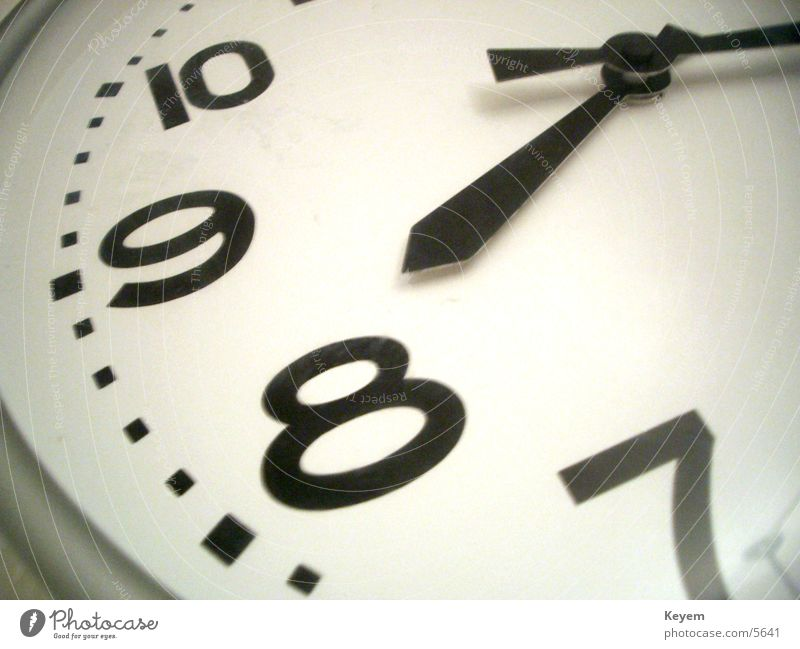 Shortly after prime time Clock Clock hand 8 Wall clock Electrical equipment Technology analogue clock Business Time