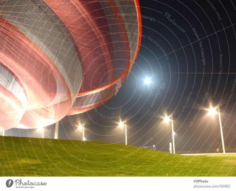 OVNI UFO Night shot Matosinhos portuguese sculptures tecnhical photo street