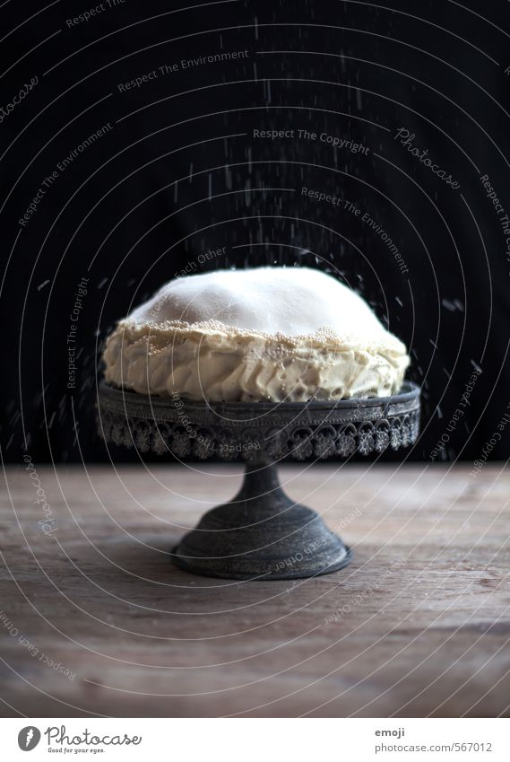 White Black Nutrition Sweet Candy Delicious Cake Dessert Gateau Slow food Rich in calories Cake plate