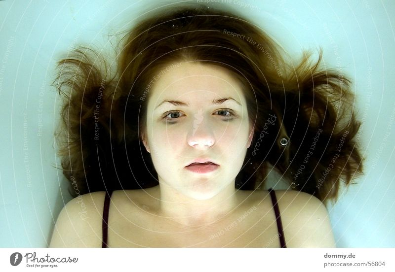 Woman Water Green Eyes Dark Death Hair and hairstyles Underwater photo Air Blonde Nose Bathroom Ear Lips Broken Lady