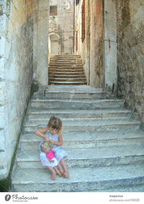 maedchen Child Dubrovnik Doll Stairs Old town