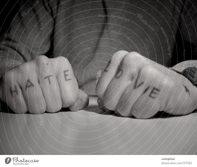 Man Hand Adults Love Fear Table Mouth Fingers Tattoo Anger Facial hair Watchfulness Brave Force Brash Exclusion