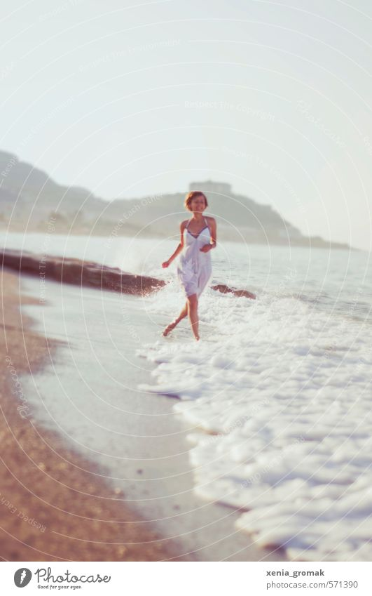 Human being Woman Vacation & Travel Youth (Young adults) Summer Sun Ocean Young woman Joy Beach Far-off places 18 - 30 years Adults Life Feminine Freedom