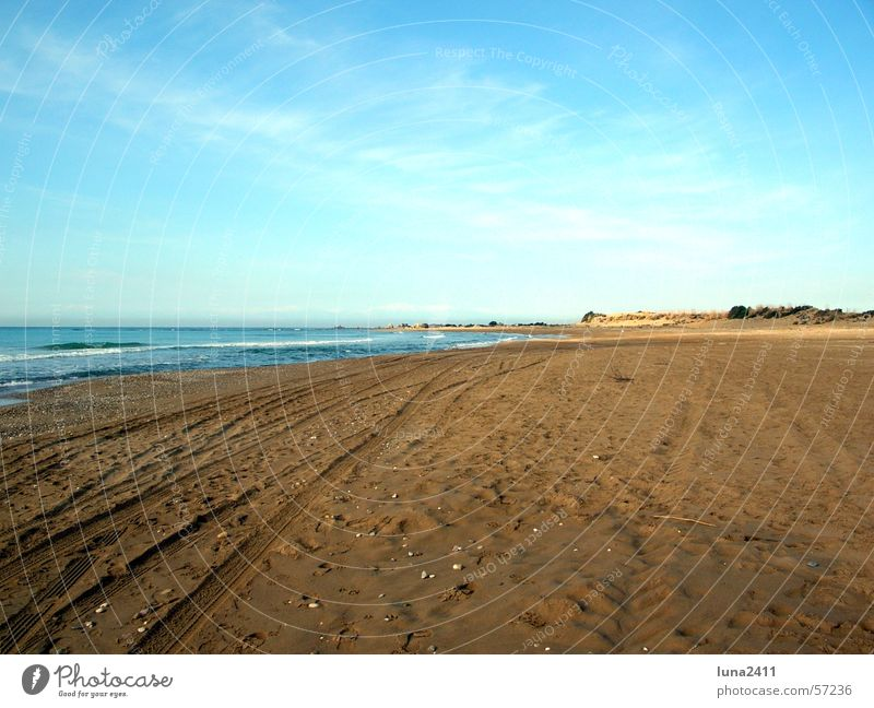 Water Sky Ocean Blue Beach Clouds Lake Sand Waves Coast To go for a walk Tracks Mussel Surf