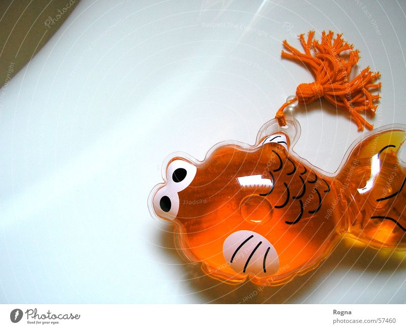 plastic Bathroom Shampoo Water Gel Bathtub Goldfish Clean Pure Fish Decoration Orange pastiche