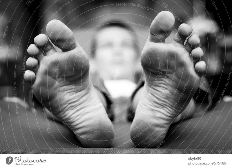 Close to the skin Boy (child) boy Youth (Young adults) Young man 13 - 18 years Child Lie feet Toes Vacation & Travel Goof off Comfortable Sleep