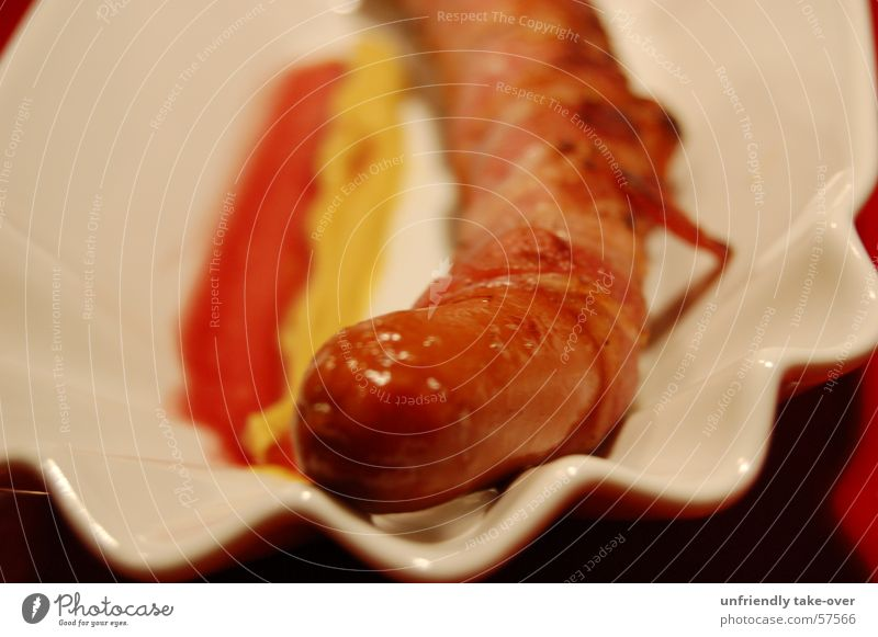 German in Speckmantel Small sausage Sausage Bacon Meat Plate Red Yellow Nutrition Detail Section of image Partially visible Food photograph Fat Fast food