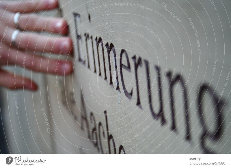recollection Memory Inscription Hand Aachen memento Stone Circle