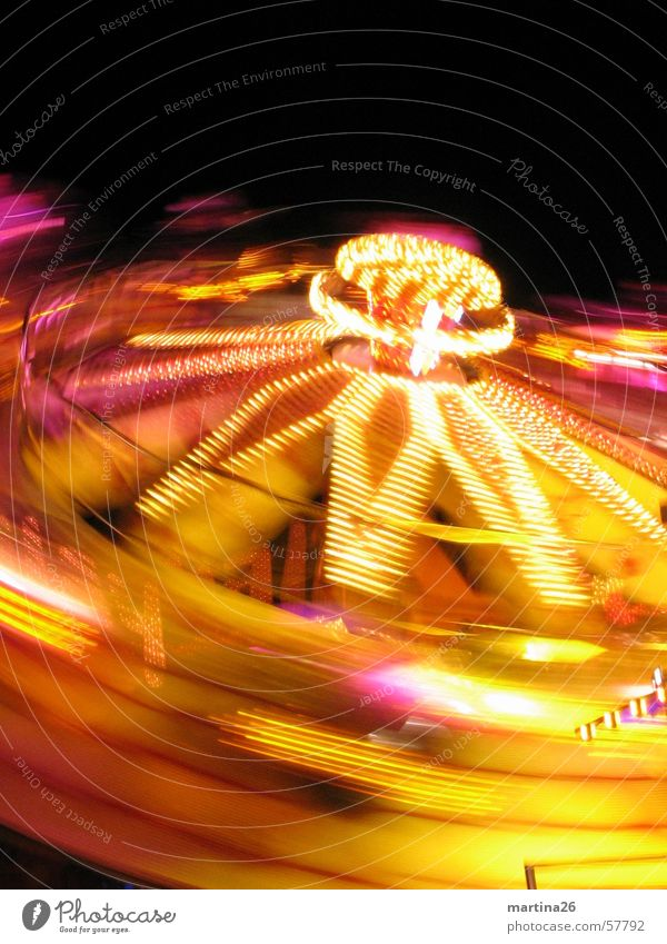 Joy Yellow Speed Technology Leisure and hobbies Fairs & Carnivals Neon light Enthusiasm Illumination Carousel Fair Vertigo Alarming Electrical equipment Theme-park rides Acceleration
