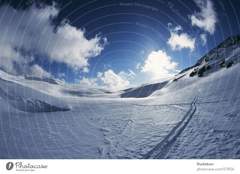 Russet Lake Colour photo Exterior shot Deserted Day Light Sunlight Fisheye Lifestyle Vacation & Travel Freedom Expedition Winter Snow Winter vacation Mountain