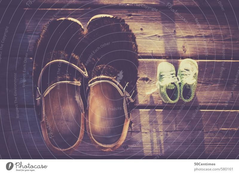 Slippers father and son/daughter, slippers Footwear Childrens shoe Wood Moody Freedom Speed Far-off places Value Luxury Living or residing Time Contentment