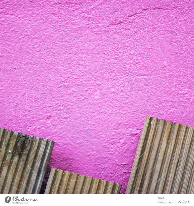 /// Wall (barrier) Wall (building) Facade Wooden board Tropic trees Stone Old Sharp-edged Hip & trendy Broken Trashy Town Pink Relationship Design Idea Kitsch