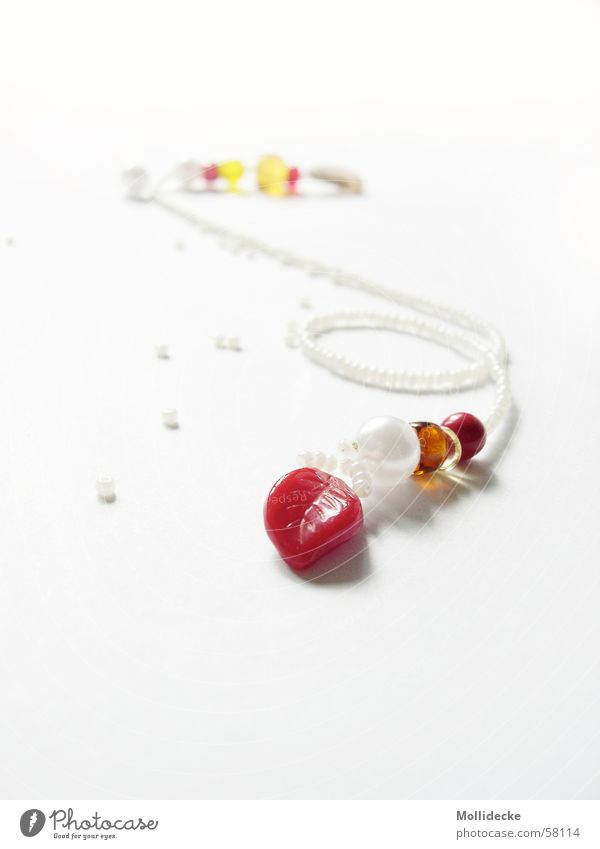 White Red Leaf Bright Reading Delicate Sign To hold on Jewellery Side Pearl Chain Bow Accumulate