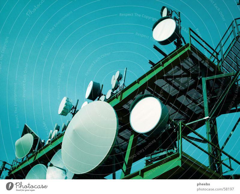 s c h a l l l Broacaster Green Gray White Gaisberg Tower Sky Blue satelite Scaffold