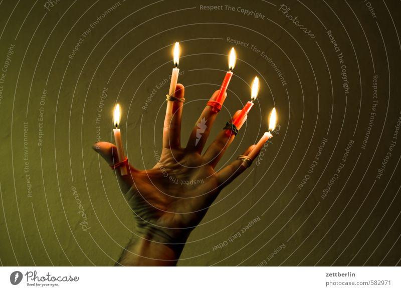 Christmas & Advent Hand Dark Anti-Christmas Lighting Feasts & Celebrations Illuminate Fingers Blaze Fire Candle Burn Flame Illumination Thumb