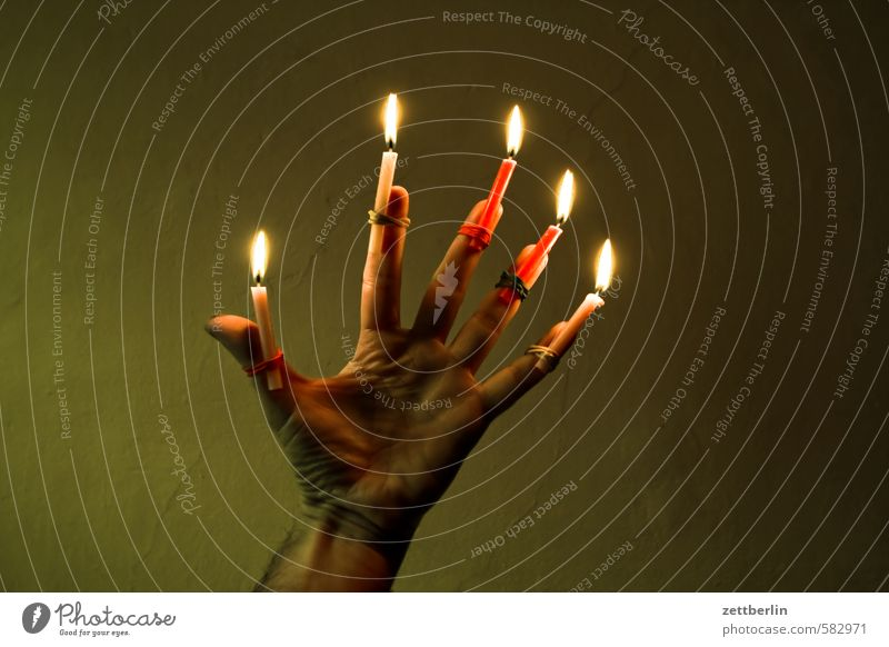 Five candles (latecomers) Christmas & Advent Flame Candle Candlelight Lighting Illuminate wallroth Anti-Christmas 5 Full Hand Illumination Fingers Thumb