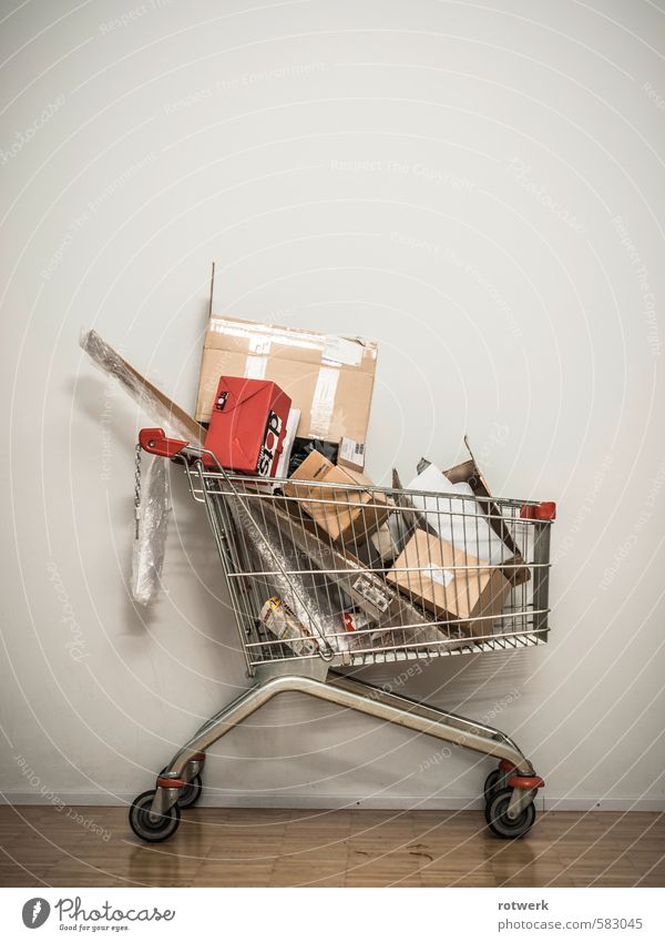 red pack Shopping Luxury Trade Dirty Red Sustainability Environment Environmental pollution Transience Shopping Trolley Colour photo Subdued colour
