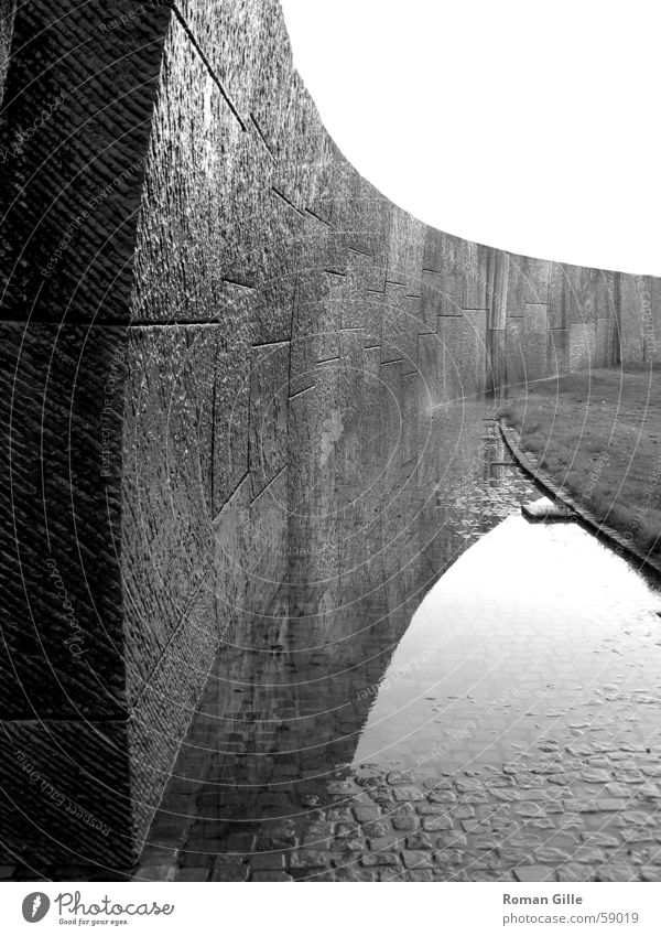 Wall (building) Wall (barrier) Glittering Wet Damp Geometry Hannover Symmetry Paving stone Vaulting Axle