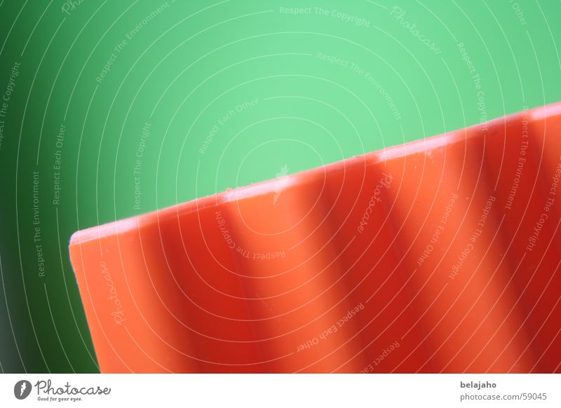 Green Colour Movement Orange Waves Crazy Dynamics Upward Diagonal Downward Sharp-edged Prongs Zigzag