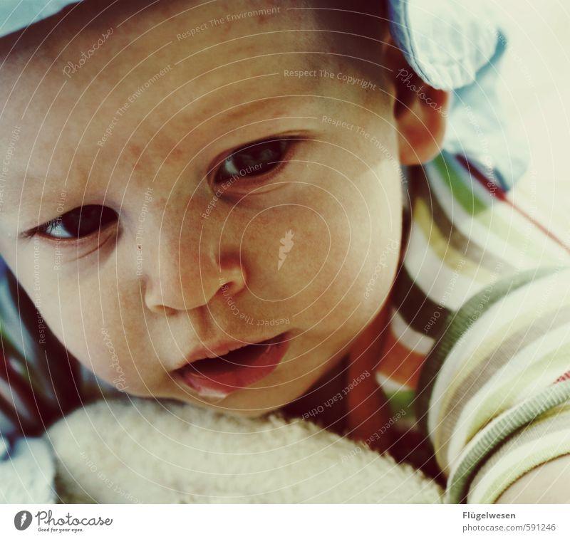 Human being Child Joy Boy (child) Small Lie Growth Contentment Blonde Baby Joie de vivre (Vitality) Childhood memory Toddler Concern Kindergarten Parents
