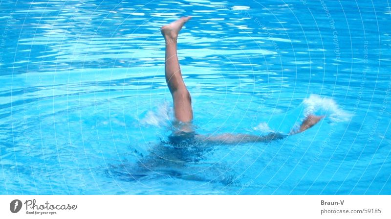 If only it weren't so hard.... Swimming pool Waves Swimmer (professional sportsman) Toes Tip of the toe Direct Handstand Water Blue Legs Feet Speed