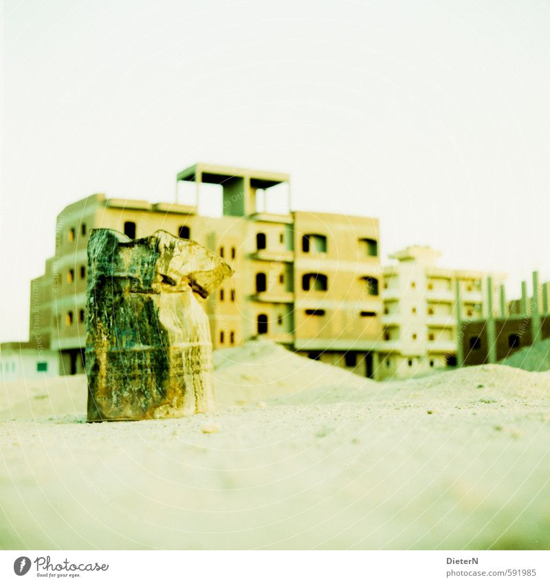 ton Village Small Town Deserted House (Residential Structure) Building Facade Roof Yellow Gold Green Ruin Keg Sand Egypt Analog Cross processing Colour photo