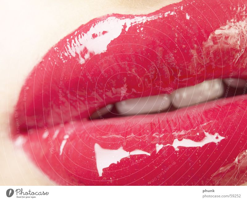 lipcloseup - lipgloss Firm to the bite Lips Red Soft Lipstick Woman Feminine Alluring Extreme Dangerous Kissing Crunchy Lipgloss Pink Delicate Human being