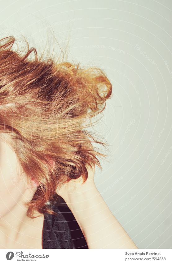 tousled head! Feminine Young woman Youth (Young adults) Woman Adults Arm Hand 1 Human being 18 - 30 years Hair and hairstyles Brunette Red-haired Exceptional