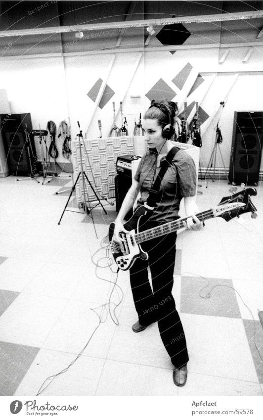 Liz in the studio Workshop Pop music Electric bass Electric guitar Music Rock music Pattern rickenbacker Musician