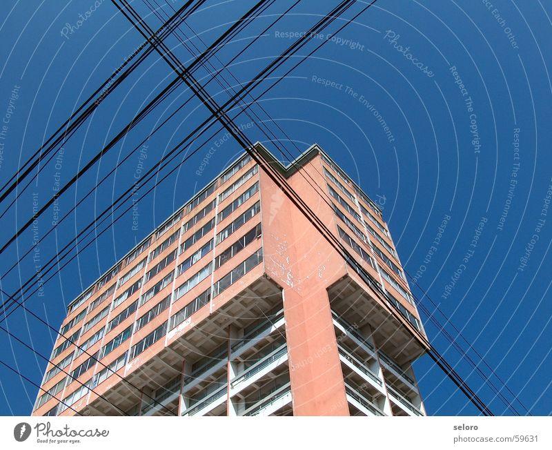 Building Power Arm Flat (apartment) High-rise Back Electricity Cable Telecommunications Connection Transmission lines Electronic South America Cross Guatemala